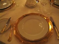 格式高いレストランにてプロトコール(国際儀礼)テーブルマナーコース